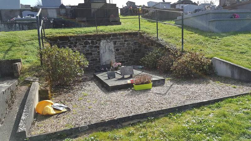 Ngậm ngùi thăm mộ Nam Phương hoàng hậu.